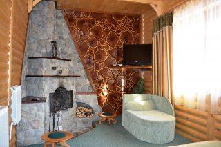 Апартаменти з 2 спальнями і каміном